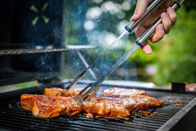 BARBECUE   De leukste en handigste BBQ gadgets vind je bij